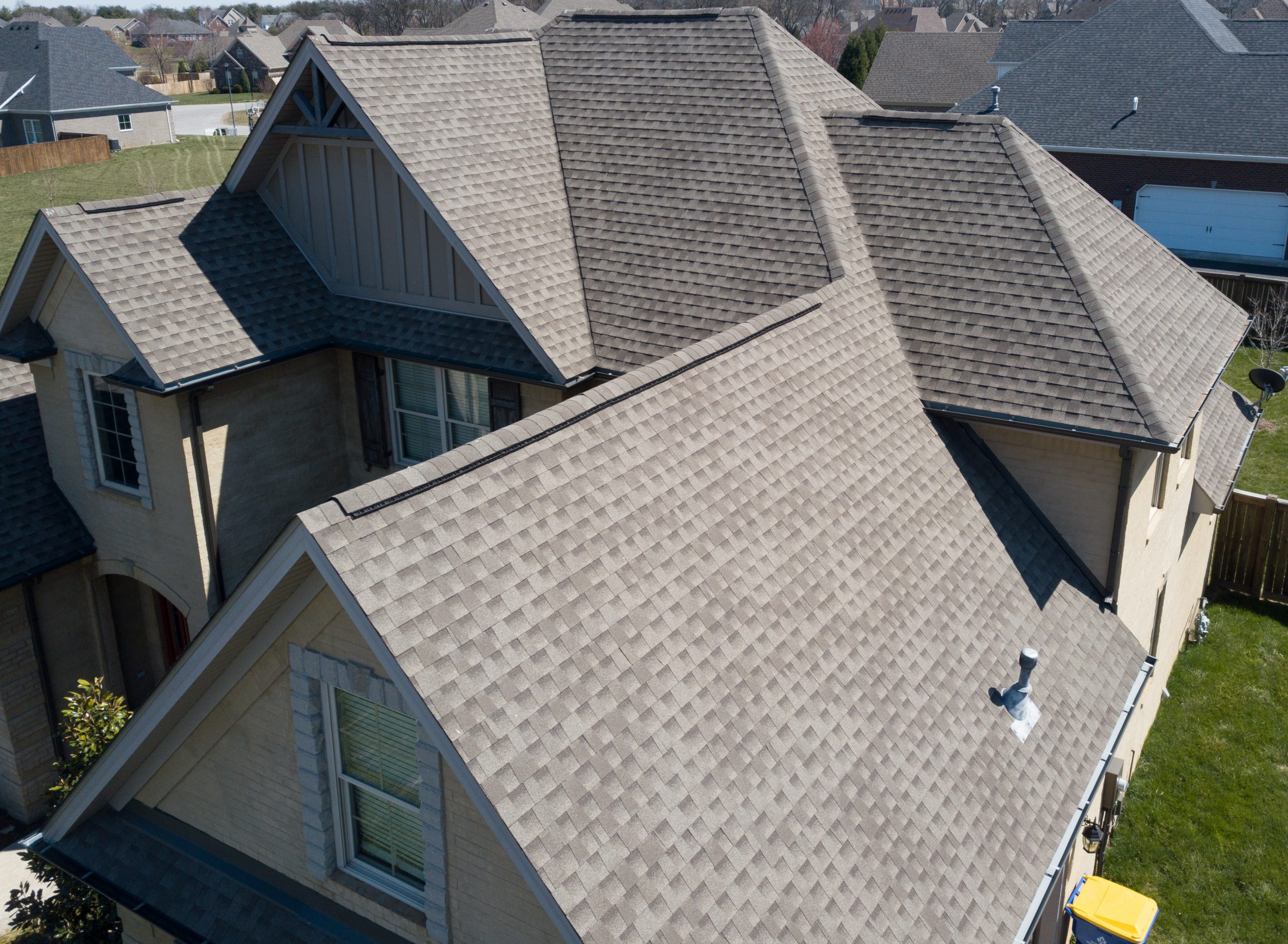Residential,Shingle,Roof,Using,Ridge,Vent,S,With,Gables,Visible